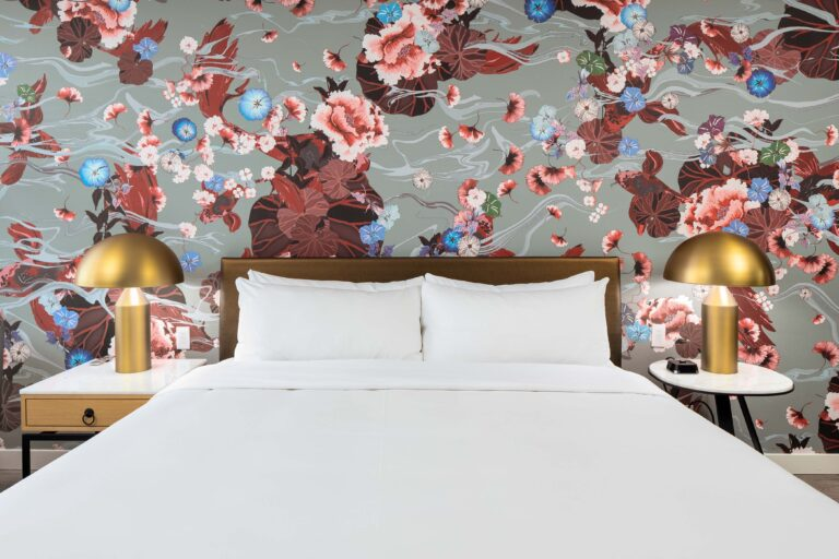 http://Deluxe%20King%20Room%20Bed