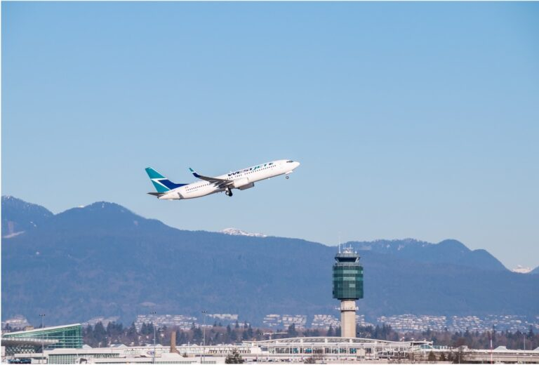 Plane taking off - Versante Hotel Vancouver Airport